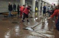 В Харькове платформу метро залило водой из-за прорыва трубы