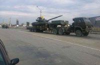 Окупанти переправляють захоплені українські танки на північ Криму
