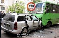 В ДТП с маршруткой под Киевом погибли три человека