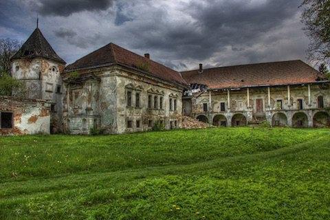 Поморянський замок у Львівській області відреставрують за 8,3 млн грн