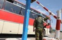Соседи Украины границу не закрыли, но температуру приезжим меряют