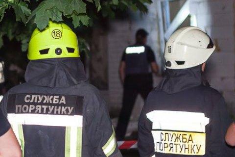 Чоловік потрапив під завал під час ремонту в київській багатоповерхівці