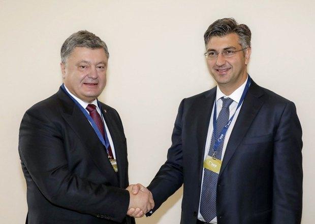 Президент Порошенко під час зустрічі з прем'єром Хорватії Пленковичем