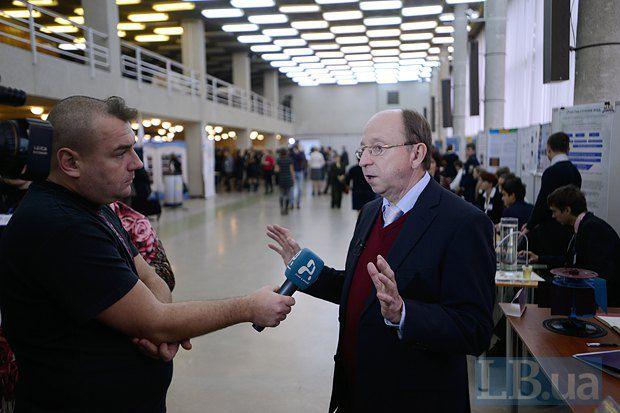 Cтанислав Довгий - Президент Малой академии наук Украины