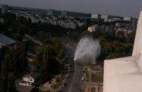 10-метровый столб воды перекрыл движение в Голосеевском районе