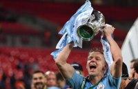 Чемпион Англии поднял над головой кубок Украинской Премьер-лиги