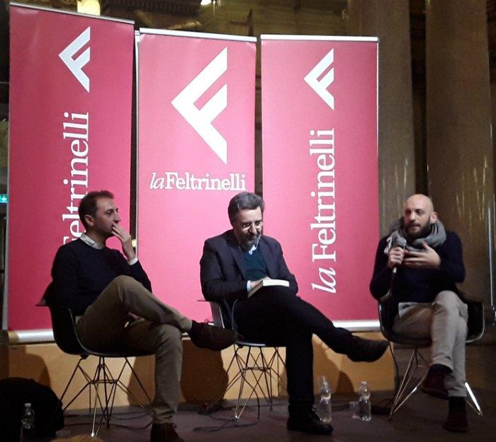 """Журналісти Стефано Верджіне і Джованні Тіціан на презентацї """"Чорної книги Ліги"""""""