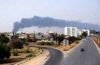 В Ливии пожар угрожает крупнейшему в стране нефтехранилищу