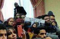 В Тернополе иностранные студенты устроили протест из-за смерти шестикурсницы медуниверситета