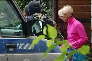 У Криму поліція забрала з дому проукраїнську активістку (оновлено)