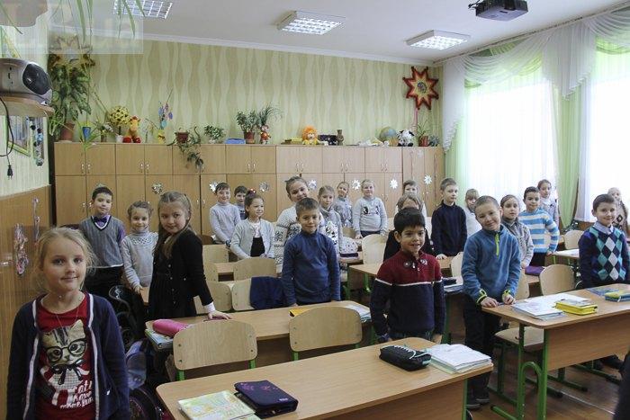 Переповнений клас у гімназії N179 м. Києва