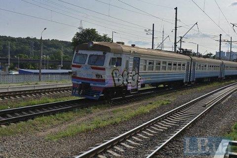 Под Тернополем с рельсов сошел пригородный поезд