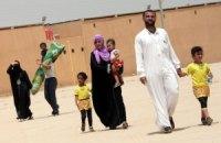 Около 10 тысяч сирийцев застряли на границе с Турцией