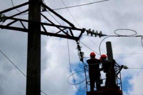 Через негоду 85 населених пунктів в Україні залишилися без електропостачання