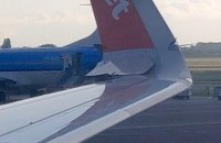 В аеропорту Амстердама зіткнулися два пасажирські літаки