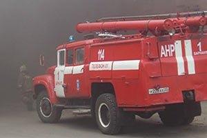 На Лесном массиве в Киеве горит пристройка жилого дома
