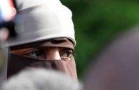 Премьер Великобритании призвал бороться с дискриминацией мусульманок