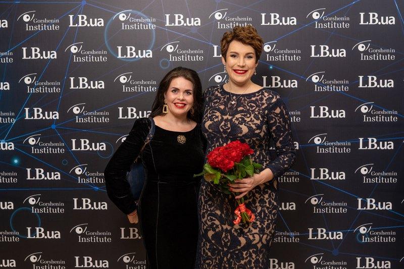 Соня Кошкина и Олеся Остафиева