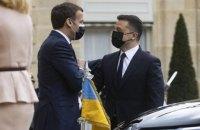 Макрон може відвідати Україну на початку літа, - посол
