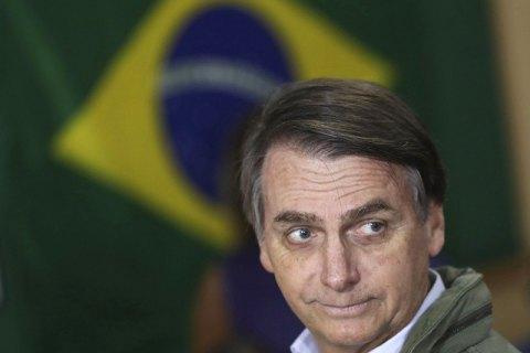 Суд зобов'язав президента Бразилії носити маску