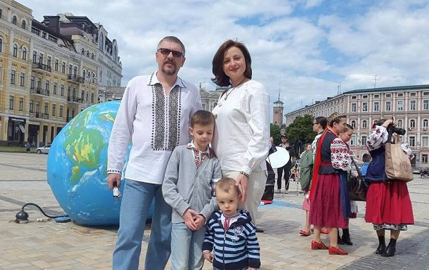 Олександр Гагаєв з дружиною Олесею та дітьми Олександром і Ярославом