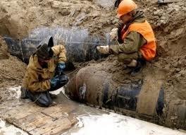 У Чернівцях через прорив каналізації тисячі людей залишилися без води