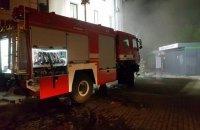 У Києві біля Південного вокзалу згоріли кілька кіосків в пішохідному переході