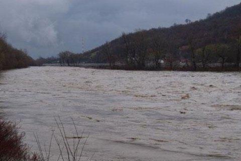 ДСНС попередила про підвищення рівня води на річках Закарпаття