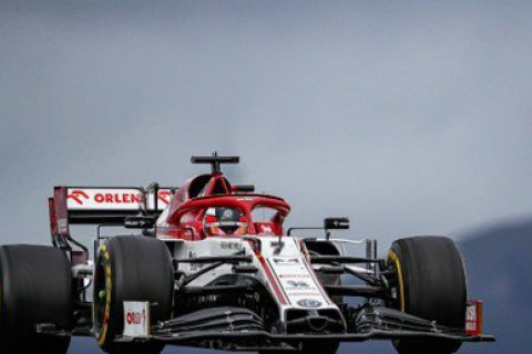 В Формуле-1 на первом круге Гран-при Португалии Райкконен обогнал 11 болидов
