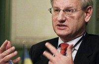 Бильдт назвал позорным дел ГБР в отношении Порошенко