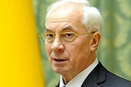 Азаров: выборы проходят без осложнений, сенсаций нет