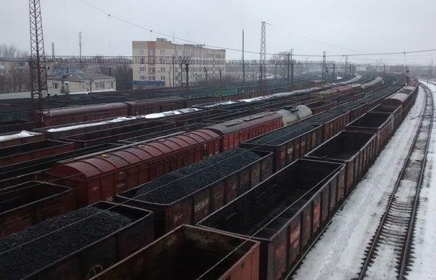Составы на станции Красный лиман, янвать 2015 г.