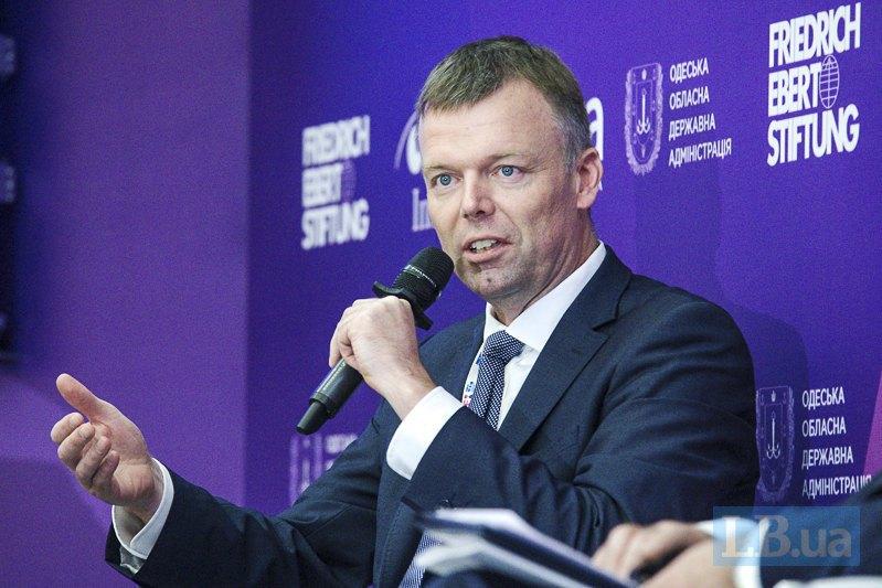 Первый заместитель председателя Специальной мониторинговой миссии ОБСЕ Александр Хуг