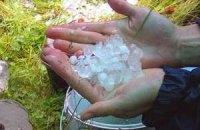 Завтра в Києві обіцяють сильні зливи та град