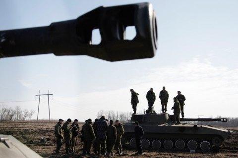 РФ направляет на Донбасс танки, самоходные артиллерийские установки и минометы, - разведка