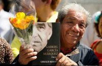 Мексиканцы проводили Маркеса в последний путь тысячами бумажных бабочек