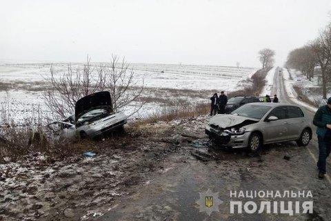 В Сланцевском районе Lada врезалась в автомобиль ДПС. Есть погибшие и пострадавшие