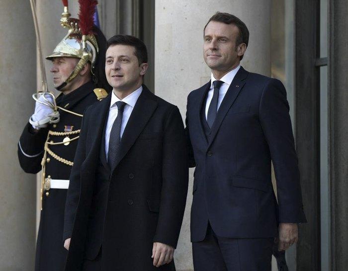 Встреча президента Украины Владимира Зеленского и президента Франции Эммануэля Макрона в рамках 'нормандского саммита' в Париже, 9 декабря 2019.