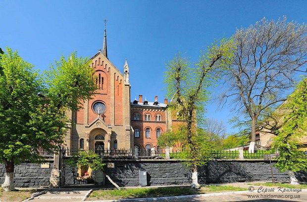 Костел Серца Ісусова та монастир францисканок