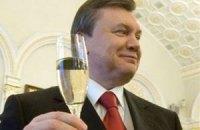 Янукович поздравил Президента Франции с Днем взятия Бастилии