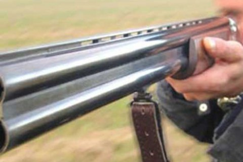 В курортном поселке южнее Затоки мужчина ранил из ружья участкового и еще трех человек
