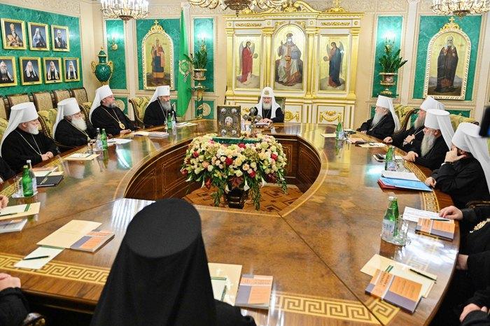 Патриарх Кирилл возглавил внеочередное заседание Синода РПЦ в Москве, 17 октября, 2019.