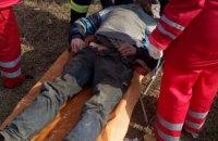 В Кривом Роге школьники спасли бездомного, который не мог выбраться из люка