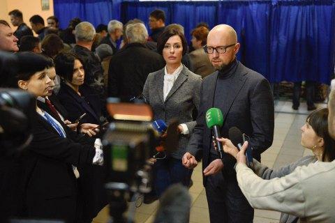 Яценюк: новый президент должен найти в себе силы обратиться к сторонникам оппонента