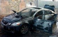 В сгоревшем автомобиле Lexus в Одессе обнаружили труп