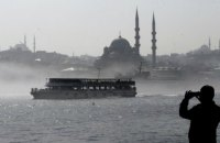 Через туман у Стамбулі паралізовано рух Босфором