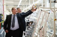 Порошенко з'їздив на відкриття заводу японської Sumitomo в Чорткові