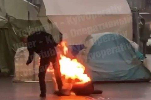 У Києві у протестувальників біля КМДА загорівся балон з газом