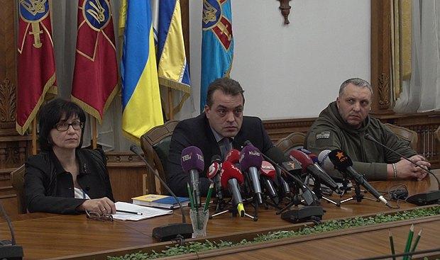 Нелли Стельмах и Юрий Бирюков - в центре