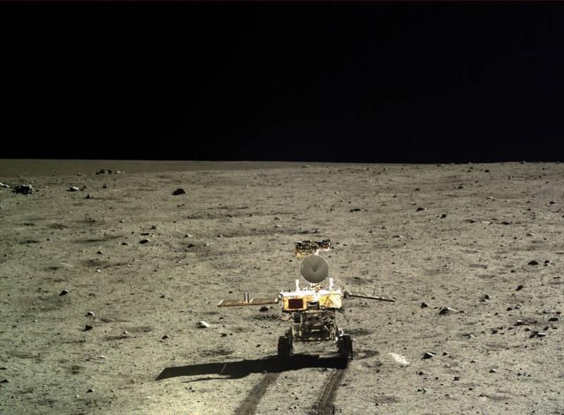 Китайский луноход «Чанъэ-4» на обратной стороне Луны